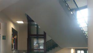 Alunno precipato dalle scale
